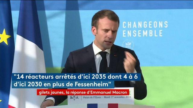 """Emmanuel Macron demande """"un débat national"""""""