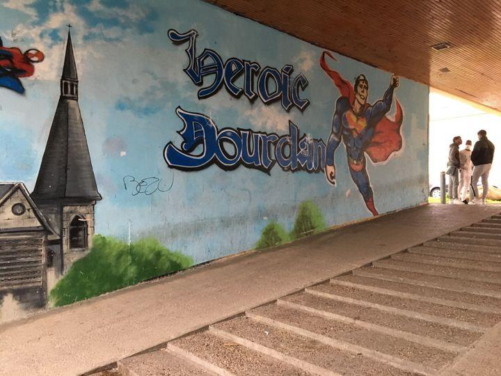 Le quartier de La Croix à Dourdan (Essonne), le 10 mars 2021. (CATHERINE FOURNIER / FRANCEINFO)