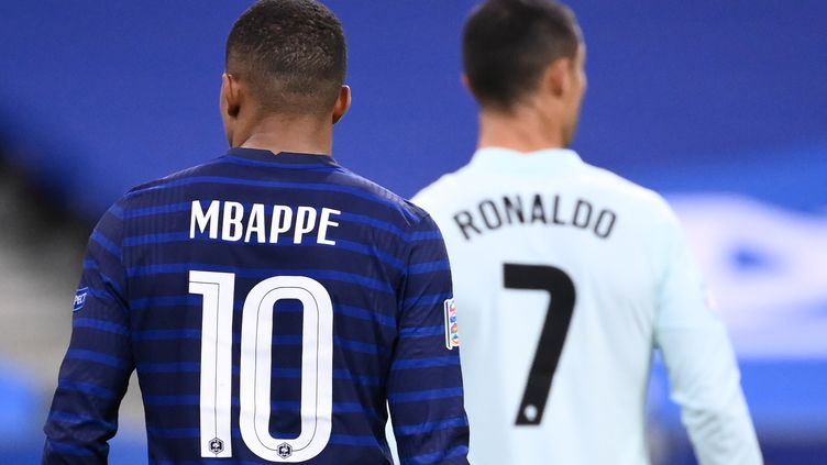 Kylian Mbappé et Cristiano Ronaldo vont se retrouver ce samedi (FRANCK FIFE / AFP)