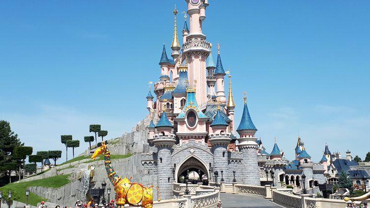 Le château de Disneyland Paris (illustration). (PHILIPPE LEFEBVRE / RADIOFRANCE)