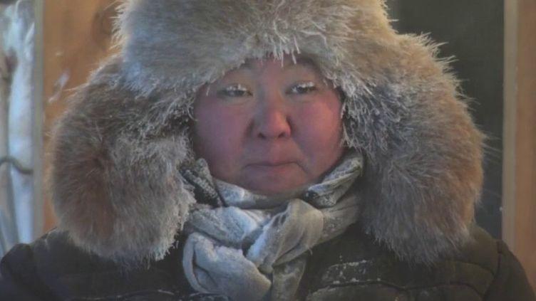 En pleine Sibérie, à Yakoutsk en Russie, un marché reste ouvertpar -40 degrés. (FRANCE 2)