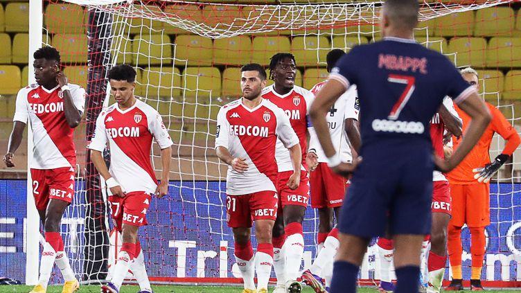 Le PSG a sombré sur la pelouse de Monaco (VALERY HACHE / AFP)