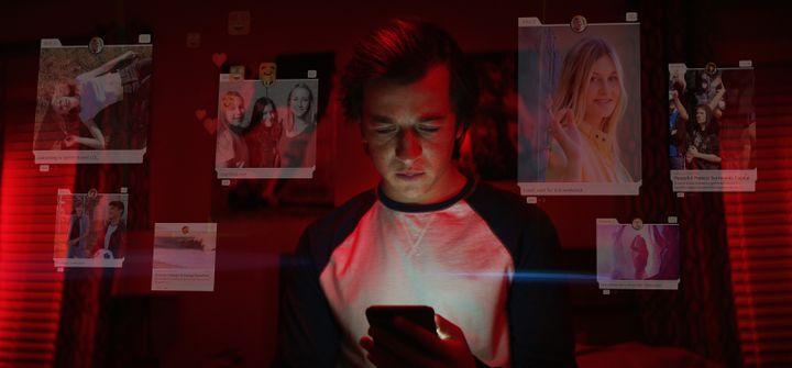"""Slyler Ginsondo interprète Ben dans la partie fictionnelle de """"Derrière nos écrans de fumée"""". (EXPOSURE LABS / NETFLIX)"""