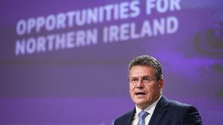 Le vice-président de la Commission européenne,Maros Sefcovic, lors d'une conférence de presse à Bruxelles (Belgique), le 13 octobre 2021. (ARIS OIKONOMOU / AFP)