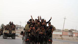 Des militaires irakiens dans la banlieue de Mossoul, le 1er novembre 2016. (CHINE NOUVELLE / SIPA)