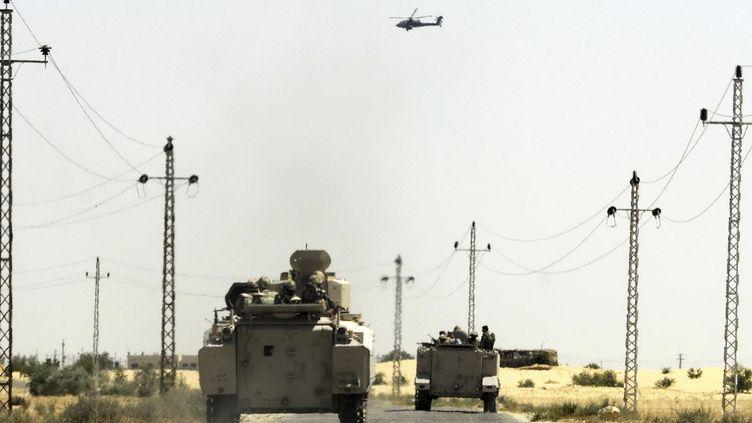 L'armée égyptienne renforce ses positions contre les islamistes dans le district d'Al-Jura (Egypte), le 21 mai 2013. (REUTERS )