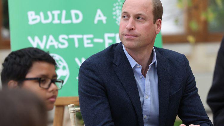 Le prince William visite une école londonienne, mercredi 13 octobre 2021. (AFP)