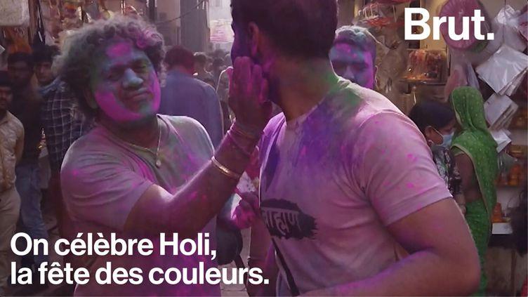 """VIDEO. Holi en Inde : """"On répand de la couleur et de la joie"""" (BRUT)"""