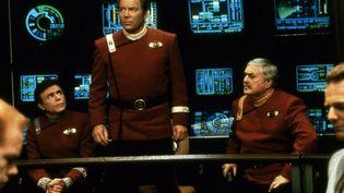 """William Shatner, qui incarnait le capitaine Kirk dans la série télévisée """"Star Trek"""". (PARAMOUNT TV / COLLECTION CHRISTOPHEL VIA AFP)"""