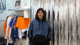 Maroussia Rebecq, la créatrice d'Andrea Crews, dans sa boutique parisienne en novembre 2017  (Corinne Jeammet)