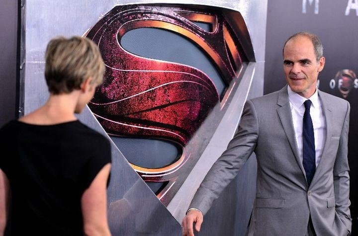 """Michael Kelly et Karyn Mendel participent à la première mondiale du film """"Man of Steel"""" (juin 2013)  (STEPHEN LOVEKIN / GETTY IMAGES NORTH AMERICA / AFP)"""