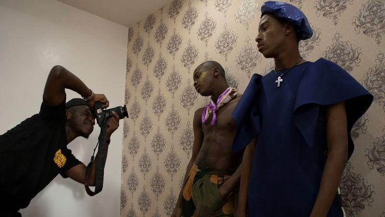 Au Nigeria, l'homosexualité est passible de 14 ans de prison. Dans ce pays, tout ce qui touche à l'homosexualité, la bisexualité ou au mélange des genres est vu comme une abomination religieuse. (EMMANUEL AREWA / AFP)