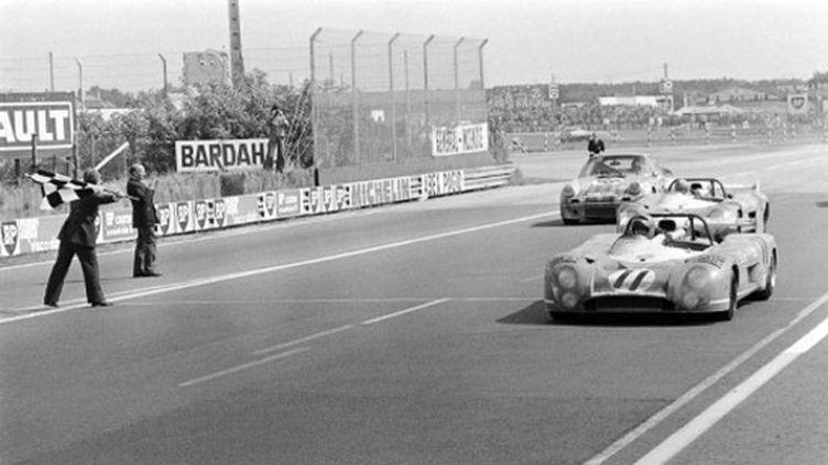 Henri Pescarolo et Gérard Larrousse s'imposent sur Matra en 1973