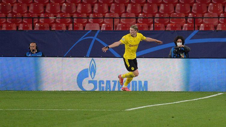 Erling Haaland, buteur avec Dortmund face à Séville (CRISTINA QUICLER / AFP)