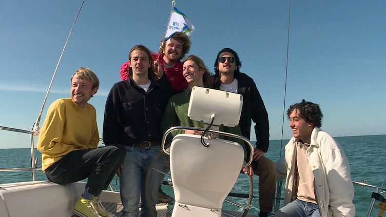 Les six marins musiciens de The Big Idea partiront enregistrer leur 4e album sur les flots de l'Atlantique en octobre 2021 (France 3 Nouvelle-Aquitaine)