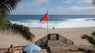 Baignade interdite cet été à Boucan-Canot, à Saint-Gilles de la Réunion. (RICHARD BOUHET / AFP)