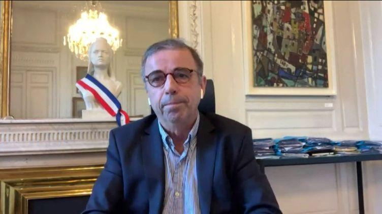 Pierre Hurmic, maire Europe Écologie-les Verts de Bordeaux, était l'invité de franceinfo dimanche 22 novembre 2020. (FRANCEINFO / RADIO FRANCE)
