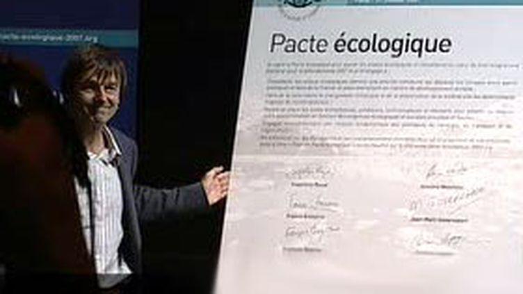Le pacte écologique lancé par Nicolas Hulot comporte des propositions concrètes pour répondre à la crise écologique. (France 2)