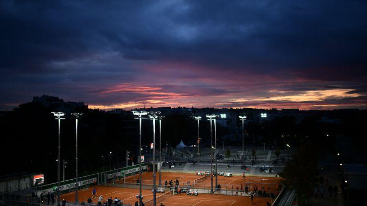 Couleurs d'automne captées par les photographes de Roland-Garros, le 29 septembre 2020 (MARTIN BUREAU / AFP)
