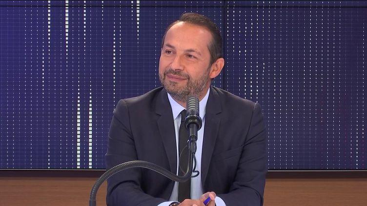 """Sébastien Chenu,député RN du Nord était l'invité du """"8h30 franceinfo"""", vendredi 17 septembre 2021. (FRANCEINFO / RADIOFRANCE)"""