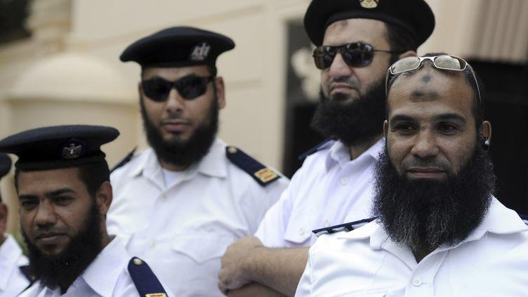 Le port de la barbe pour la police égyptienne a été autorisé par la Haute Cour administrative du pays, mercredi 20 février 2013. (MOHAMED ABD EL GHANY / REUTERS )