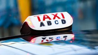 Le gouvernement prévoit de compter sur des conducteurs privés afin de pallier le manque de transport public dans les zones rurales. (JABOUTIER / MAXPPP)
