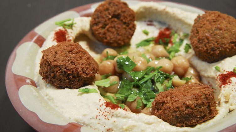 Ce restaurateur de Kfar Vitkin (nord d'Israël) offre une réduction de 50% aux clients arabes et juifs attablés ensemble. (PHOTOSTOCK ISRAEL)