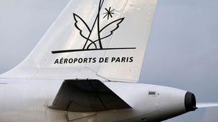 Un avion sur le tarmac de l'aéroport de Roissy-Charles-de-Gaulle, endécembre 2014. ( CHARLES PLATIAU / REUTERS)