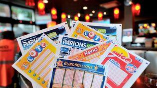 Le 13 novembre 2012, un habitant des Alpes-Maritimes a remportéla plus grosse cagnotte de l'Euro Millions jamais décrochée par un Français, soit169 837 010 euros. (PHILIPPE HUGUEN / AFP)