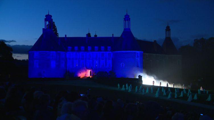 Première représentation de l'été du son et lumière du château de Saint-Fargeau (C.Heudes / France Télévisions)