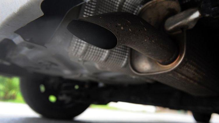 """""""Les véhicules d'avant 2000 polluent 30 fois plus qu'un véhicule récent"""", selon la ministre de l'Ecologie, Delphine Batho. (FRED TANNEAU / AFP)"""