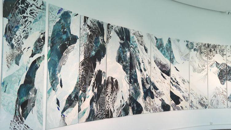 Oeuvre monumentale de l'artiste Caribaï. (CAPTURE D'ÉCRAN FRANCE 3)