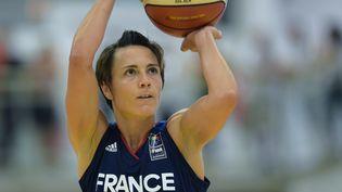 Céline Dumerc, basketteuse pendant un match France-Canada, le 1er juin 2017 àVillenave-d'Ornon (Gironde). (NICOLAS TUCAT / AFP)