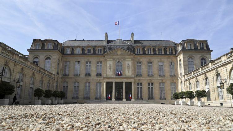 La cour du palais de l'Elysée, jeudi 22 juin. (THOMAS SAMSON / AFP)