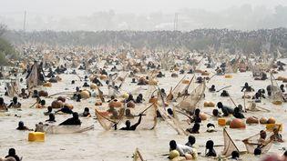 Des milliers de personnes participentauFestival international de la culture et de la pêche d'Argungu au Nigeria, le 14 mars 2020. (PIUS UTOMI EKPEI / AFP)