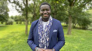 Baptiste Ménard, 27 ans, adjoint au maire de Mons-Barœul, membre du Parti socialiste. (MANON MELLA / FRANCEINFO)