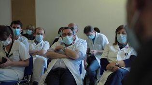Covid-19 : en Seine-Saint-Denis, la pression monteencore d'un cran à l'hôpitalDelafontaine (France 2)