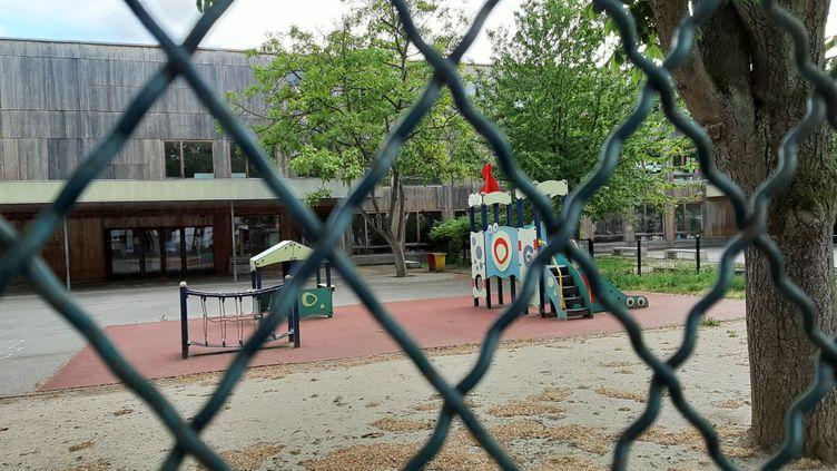 Une école fermée pendant le confinement. (photo d'illustration) (CORINNE FUGLER / FRANCE-BLEU ALSACE)