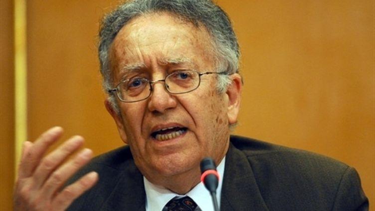 Yadh Ben Achour, professeur de droit à l'université de Tunis, a participé à la réforme électorale (29 mars 2011) (AFP / Fethi Belaid)