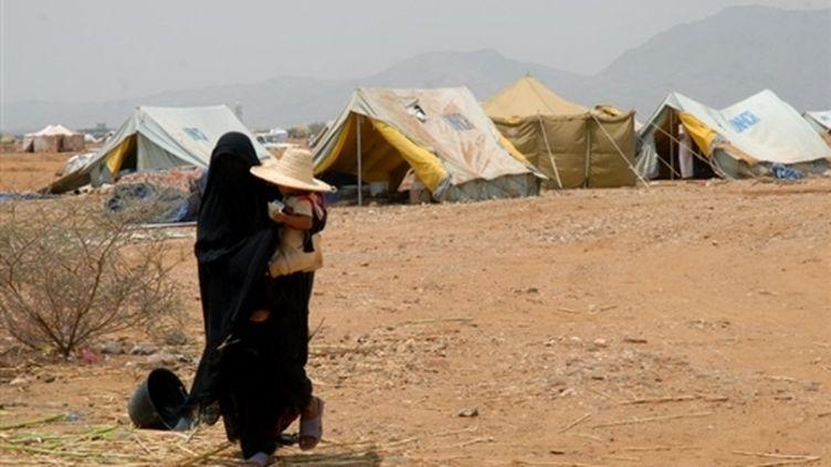 Un camp de réfugiés du HCR accueille les Yéménites qui fuient les combats dans le nord du pays (29-08-09) (© AFP / Khaled Fazaa)