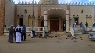 La mosquée où à eu lieu l'attentat qui a fait 305 morts, le 24 novembre 2017, en Egypte. (STRINGER / ANADOLU AGENCY / AFP)