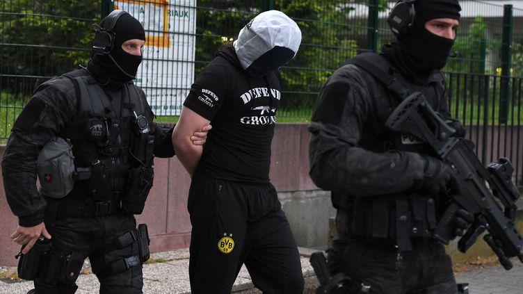 Un homme a été interpellé à Strasbourg (Bas-Rhin), le 13 mai 2018, au lendemain d'uneattaque au couteauàParis. (PATRICK HERTZOG / AFP)