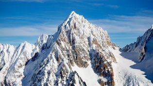 Le Peloton de gendarmerie de haute montagne de Chamonix a lancé un appel à témoins pour retrouver les trois alpinistes disparus au sommet des Grands Montets. (GR?GORY YETCHMENIZA / MAXPPP)