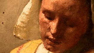 """""""La Laitière"""" de Vermeer, détail  (France 2 / Culturebox capture d'écran)"""