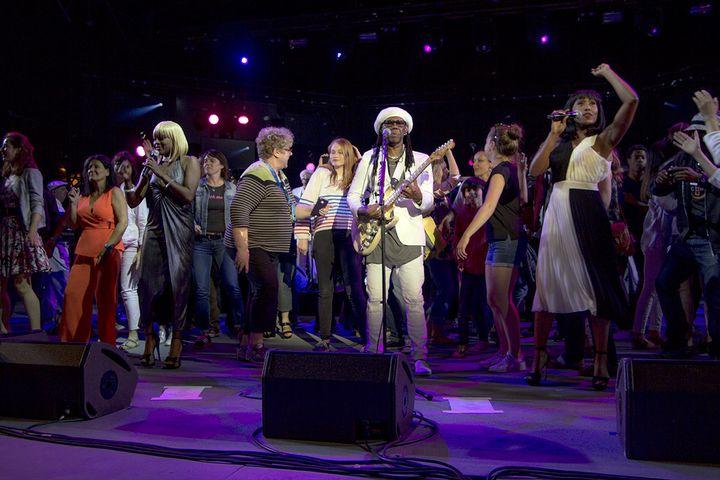 Le public viennois autour de Nile Rodgers et de Chic le 2 juillet 2016  (Jean-François Lixon)