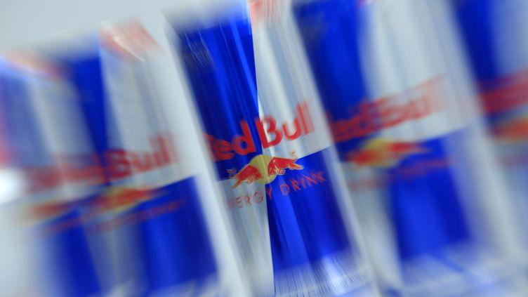 Une des marques de boissons énergisantes qui font fureur chez les jeunes. (ALEXANDER KLEIN / AFP)