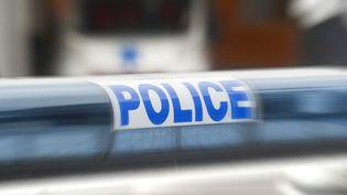L'homme de 26 ans était menotté à l'arrière d'une voiture quand ils'est évadé. (MAXPPP)