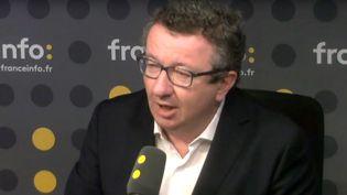 Christian Paul, député frondeur de la Nièvre, était l'invité de franceinfo. (FRANCEINFO)