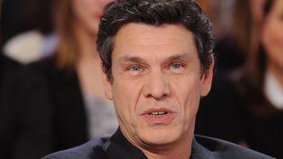"""Marc Lavoine en janvier 2015 sur le plateau de """"Vivement Dimanche""""  (PJB / Sipa)"""
