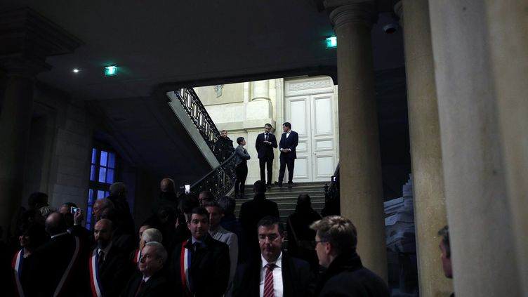 Emmanuel Macron et Benoist Apparuà Châlons-en-Champagne, jeudi 1er mars 2018. (YOAN VALAT / POOL / EPA / MAXPPP)